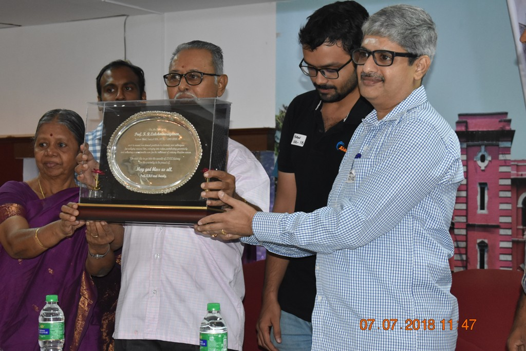Momento to SVCEAA by Prof. KRLN [2018-19 AGM]